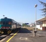 """Quadrini:""""La Valle del Liri ed il Sorano dimenticati. Rivitalizziamo la tratta ferroviaria 'Avezzano-Sora-Cassino'."""""""